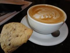 vanilla latte & apple scone
