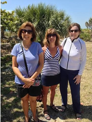 Susan, me & Robin at Lido Key beach...can you guess which one of us does not live in Florida??